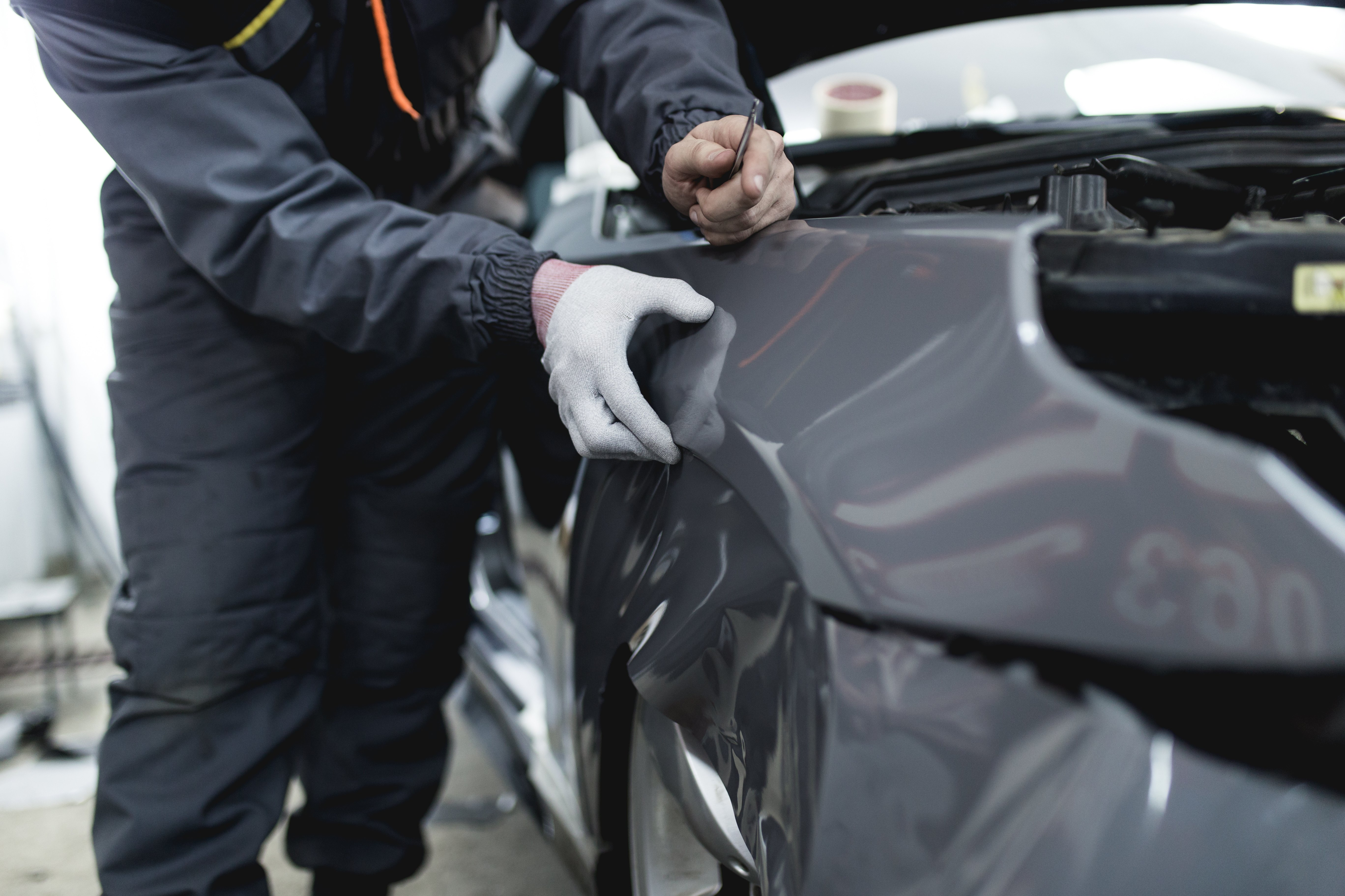Applying Wrap to Protect Vehicle Wrap Warranty